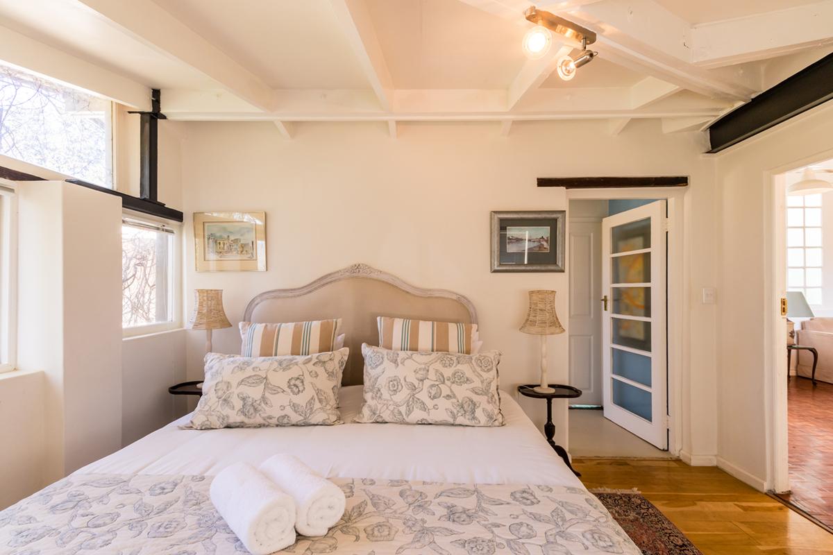 Skyview Manor | Queen Protea